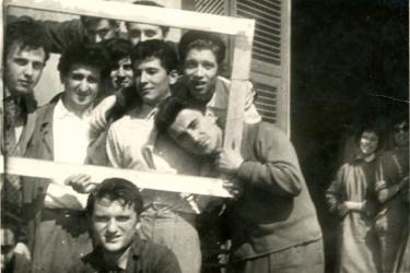 "Scanavino con i suoi allievi del Liceo artistico di Genova N. Barabino, 1955 | Scanavino with his students at the Liceo Artistico ""Nicolò Barabino"" art high school in Genoa (Italy), 1955"